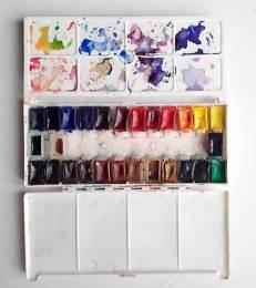 Набор акварели на 24 цвета